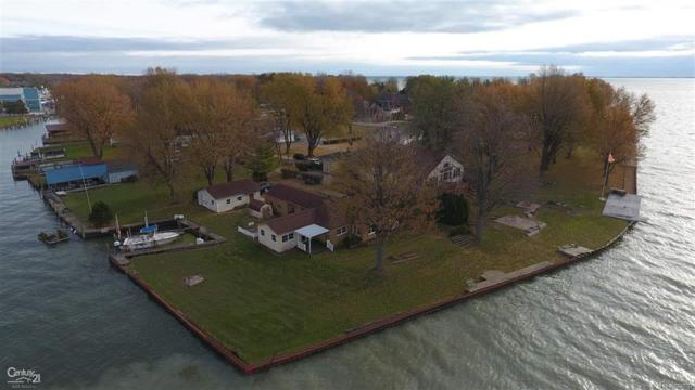 48700 Point Lakeview, Chesterfield Twp, MI 48047 (MLS #58031335218) :: The Toth Team
