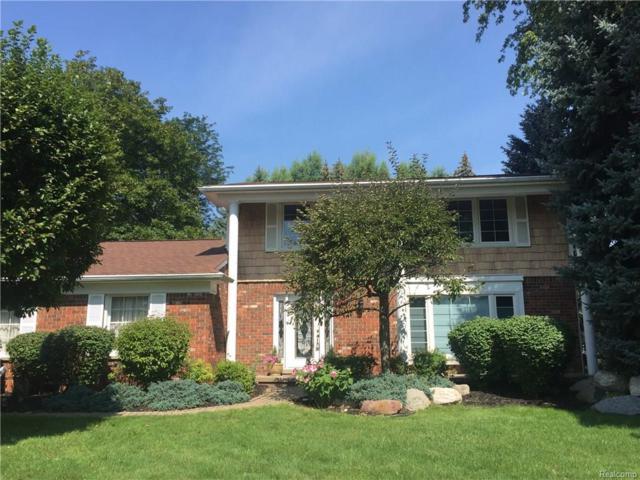 2725 Courville Drive, Bloomfield Hills, MI 48302 (#217074791) :: Simon Thomas Homes