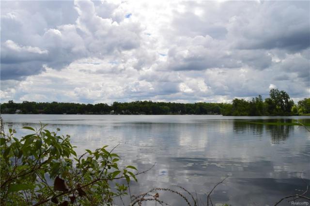2555 Bogie Lake Road, White Lake Twp, MI 48383 (MLS #218000930) :: The Toth Team
