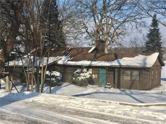7110 Colony Drive, West Bloomfield Twp, MI 48323 (MLS #218002393) :: The Toth Team