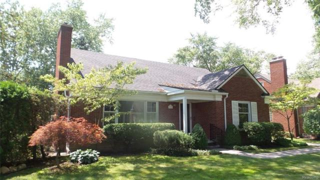 1141 Paget Court, Grosse Pointe Woods, MI 48236 (#218013658) :: RE/MAX Classic