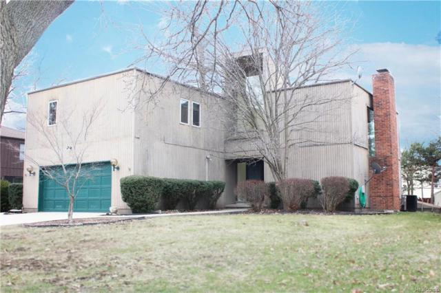 1810 S Woodland Drive, Port Huron, MI 48060 (#218019156) :: Duneske Real Estate Advisors