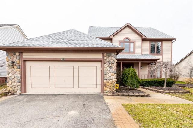 2304 Carriage Way, Milford Twp, MI 48381 (#218023796) :: Duneske Real Estate Advisors