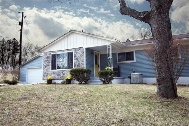14384 Hess Road, Holly Twp, MI 48442 (MLS #218026365) :: The Toth Team