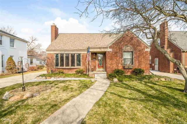 20069 Holiday Road, Grosse Pointe Woods, MI 48236 (MLS #58031344392) :: The Toth Team