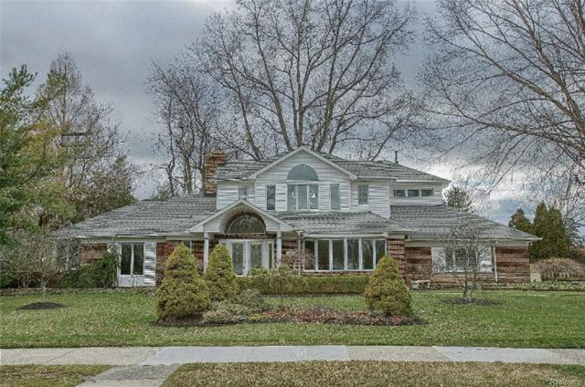 20363 Sunningdale Park, Grosse Pointe Woods, MI 48236 (#218031446) :: Simon Thomas Homes