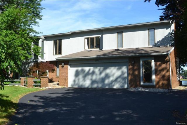 3592 Ravinewood Court, Commerce Twp, MI 48382 (#218040358) :: Duneske Real Estate Advisors