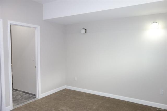 7518 Berry Wood Lane #41, West Bloomfield Twp, MI 48322 (#218045899) :: Duneske Real Estate Advisors