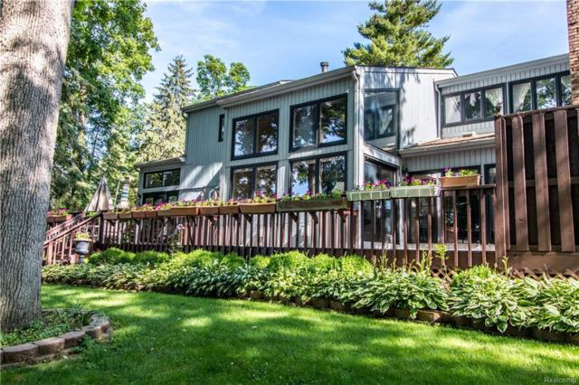 2251 Bloomfield Woods Court, West Bloomfield Twp, MI 48323 (#218046115) :: The Mulvihill Group