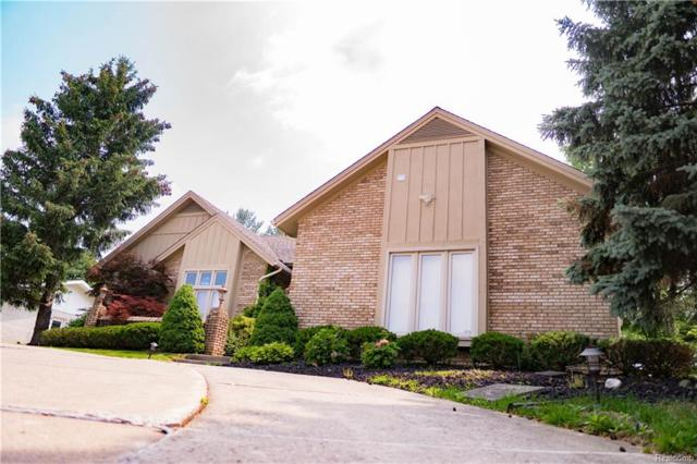 6955 Ravines Circle, West Bloomfield Twp, MI 48322 (#218056545) :: The Buckley Jolley Real Estate Team