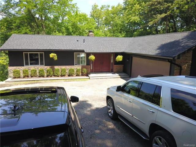 27050 W Fourteen Mile Road, Bloomfield Twp, MI 48301 (#218060315) :: The Mulvihill Group