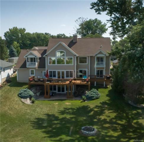 11472 Moffett Court, Fenton Twp, MI 48430 (#218075314) :: The Buckley Jolley Real Estate Team