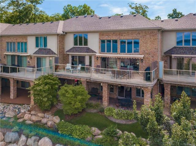 980 Sunset Drive, Waterford Twp, MI 48328 (MLS #218077462) :: The Toth Team