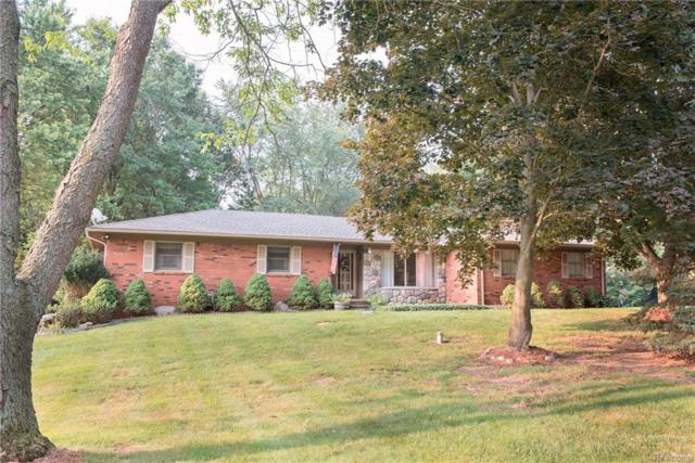 2220 Applewood Lane, Milford Twp, MI 48381 (#218079516) :: RE/MAX Classic