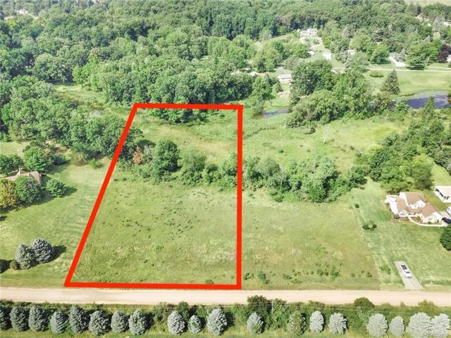 0050 Iris Lane, Hartland Twp, MI 48353 (#218082261) :: The Buckley Jolley Real Estate Team