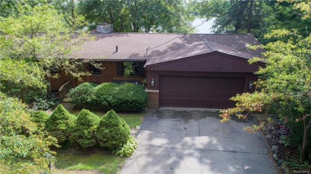 3015 Lakeview Boulevard, Highland Twp, MI 48356 (#218084685) :: RE/MAX Classic