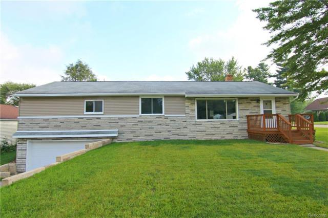 5345 Clinton River Drive, Waterford Twp, MI 48327 (MLS #218088982) :: The Toth Team