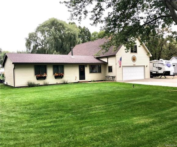 3356 Center Road, Highland Twp, MI 48357 (#218100066) :: RE/MAX Classic