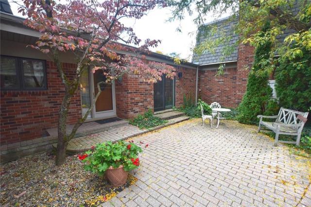 977 Stratford Lane, Bloomfield Hills, MI 48304 (#218112906) :: RE/MAX Classic