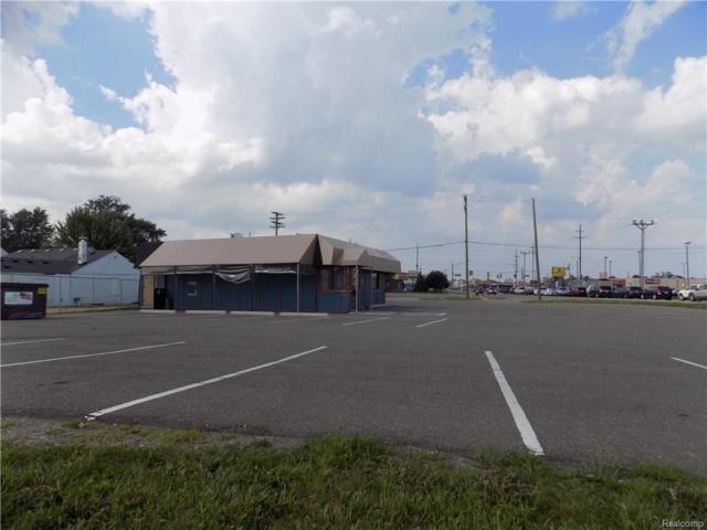 25 S Groesbeck Highway, Clinton Twp, MI 48036 (#219003105) :: The Buckley Jolley Real Estate Team