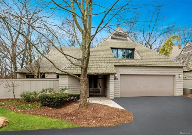 957 Bloomfield Woods Drive, Bloomfield Hills, MI 48304 (#219006670) :: RE/MAX Classic