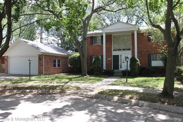 20421 Williamsburg Court, Harper Woods, MI 48225 (#219010318) :: The Buckley Jolley Real Estate Team