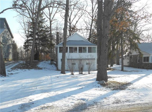 1524 Maxfield, Hartland Twp, MI 48353 (#219017622) :: The Buckley Jolley Real Estate Team