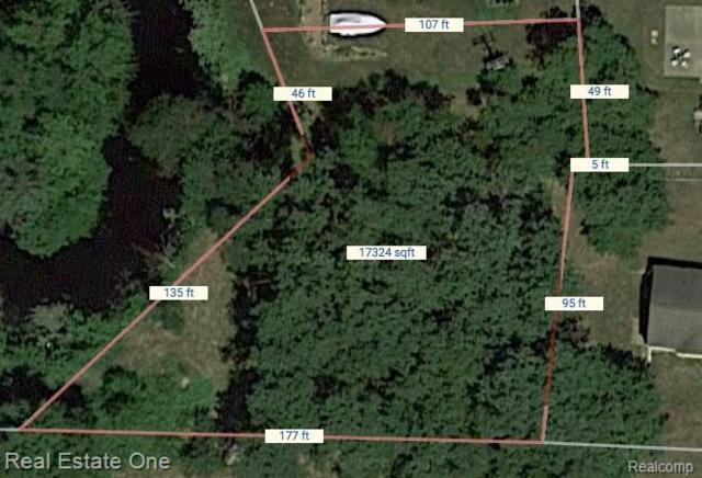 000 Cooley Lake Road, White Lake Twp, MI 48386 (#219029903) :: RE/MAX Classic