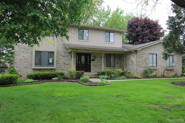 2222 Keylon Drive, West Bloomfield Twp, MI 48324 (#219032747) :: Alan Brown Group