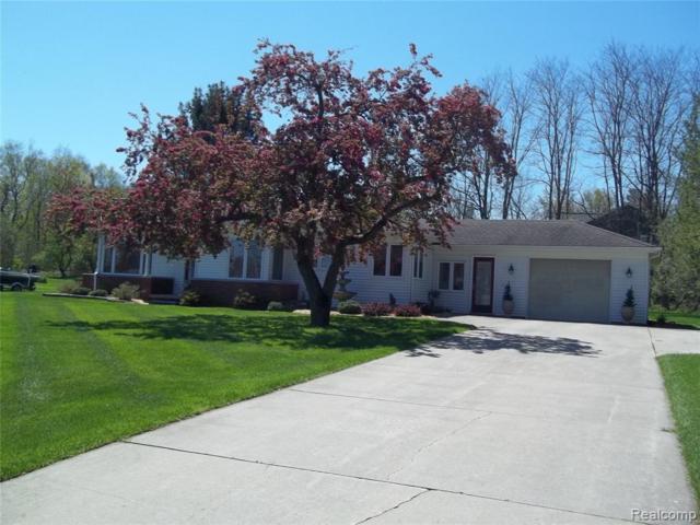 7607 Ledgewood Drive, Tyrone Twp, MI 48430 (#219033732) :: The Buckley Jolley Real Estate Team