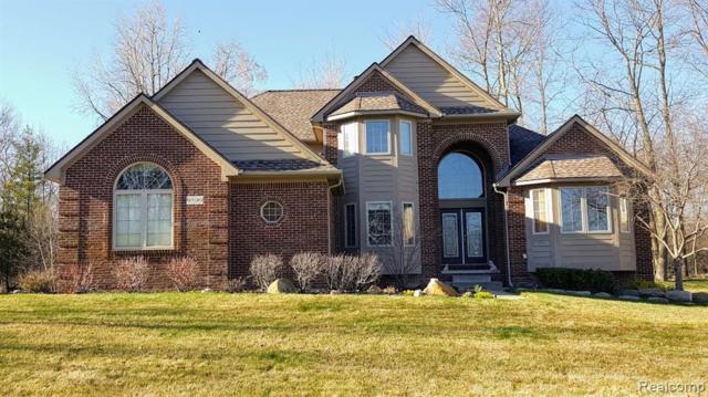 9590 Crown Ridge Drive, White Lake Twp, MI 48386 (#219035450) :: RE/MAX Classic