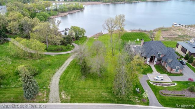 2641 Turtle Shores Drive, Bloomfield Twp, MI 48302 (MLS #219042538) :: The Toth Team