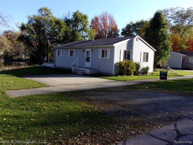 2122 Michigan Street, Algonac, MI 48001 (#219046895) :: Alan Brown Group