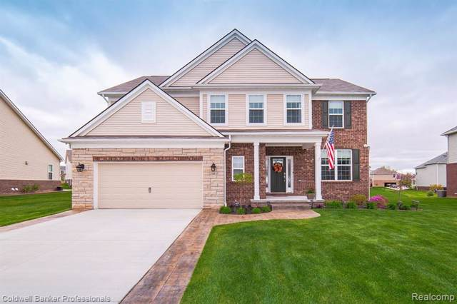 2443 Findley Cir, Orion Twp, MI 48360 (#219047588) :: The Buckley Jolley Real Estate Team