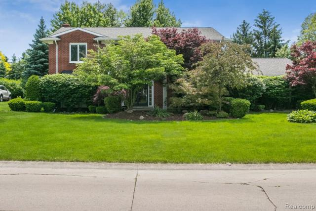 3137 Winchester Road, West Bloomfield Twp, MI 48322 (MLS #219051374) :: The Toth Team