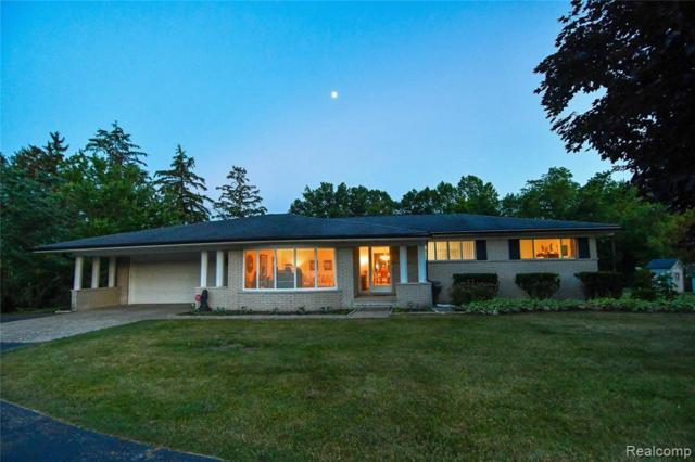 5425 Clarkston Road, Independence Twp, MI 48348 (#219057371) :: GK Real Estate Team