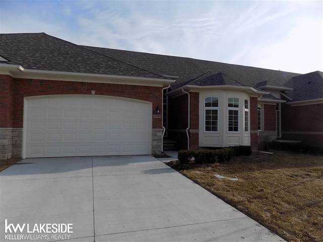 14972 Village Park Circle, Shelby Twp, MI 48315 (#58031384499) :: Novak & Associates