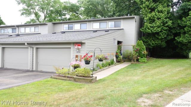 656 Peninsula Court, Ann Arbor, MI 48105 (#219068629) :: The Buckley Jolley Real Estate Team