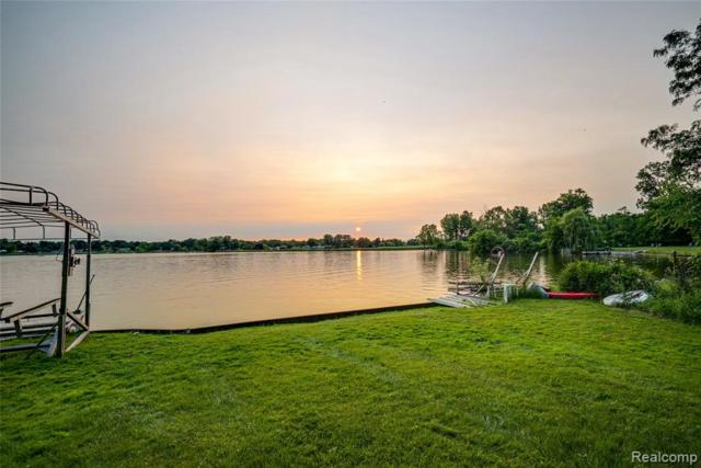 000 Woodbine Drive, Waterford Twp, MI 48328 (#219072322) :: The Alex Nugent Team | Real Estate One