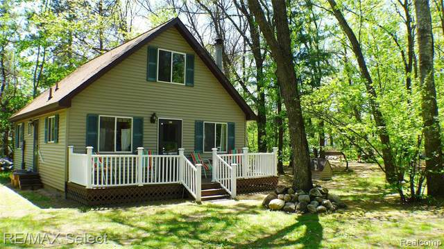 109 Acorn Lane, Roscommon Twp, MI 48629 (#219075546) :: Alan Brown Group