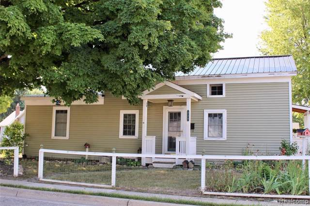 228 E Washington Street, Romeo Vlg, MI 48065 (MLS #219075815) :: The Toth Team
