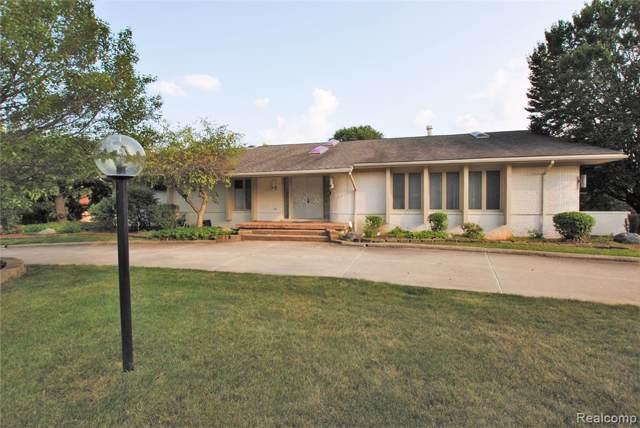 4315 Cherry Hill Drive, Orchard Lake Village, MI 48323 (#219076059) :: RE/MAX Nexus