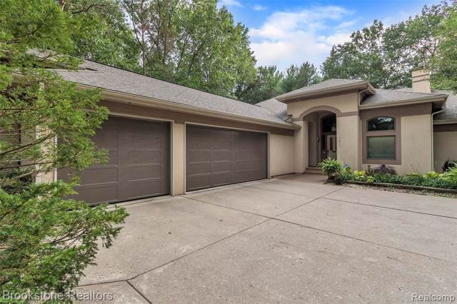 5823 Pine Breeze Drive, Independence Twp, MI 48346 (#219083798) :: The Buckley Jolley Real Estate Team