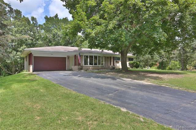 2901 Flint Road, Brandon Twp, MI 48462 (#219083873) :: The Mulvihill Group
