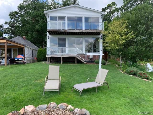 5415 Wildwood Drive, Genoa Twp, MI 48843 (#219084930) :: The Buckley Jolley Real Estate Team