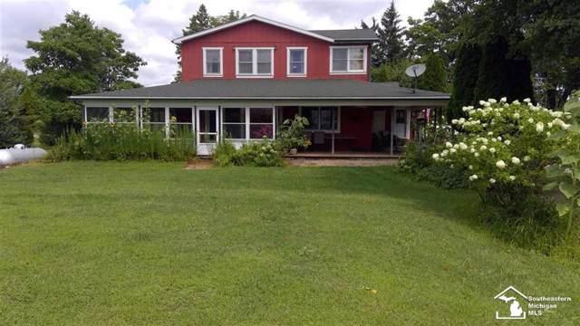 4655 Oakville Waltz Rd., Carleton, MI 48117 (#57031391455) :: KNE Realty 360