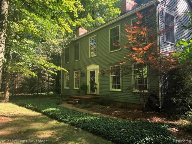 9204 Pontiac Trail, Salem Twp, MI 48178 (#219086751) :: The Buckley Jolley Real Estate Team