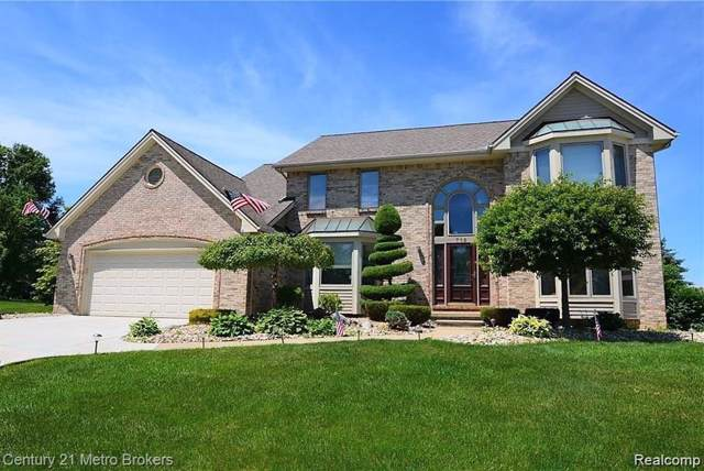 712 Cambridge Circle, Grand Blanc, MI 48439 (#219088890) :: The Buckley Jolley Real Estate Team