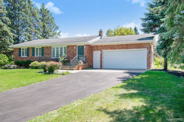 1369 Pratt Road, Metamora Twp, MI 48455 (MLS #219089716) :: The Toth Team