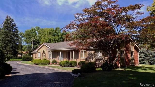 1694 W Long Lake Road, Bloomfield Twp, MI 48302 (#219092245) :: The Buckley Jolley Real Estate Team